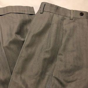 🏖 Light grey dress pants with stripes